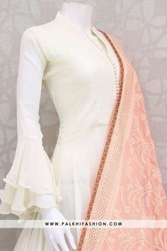 Palkhi fashion presents white color floor length georgette salwar suit with peach georgette dupatta with self color embroidery petite stone work suit designs indian style white georgette indian outfit with attractive dupatta Kurti Sleeves Design, Sleeves Designs For Dresses, Dress Neck Designs, Sleeve Designs, Kurti Designs Party Wear, Kurta Designs, Blouse Designs, Lehenga Designs, Indian Designer Outfits