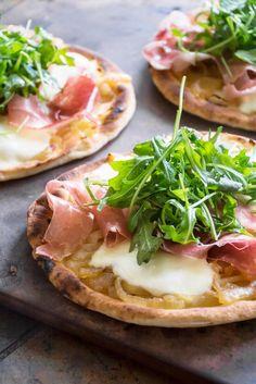 Caramelized Onion, Prosciutto & Arugula Pizza