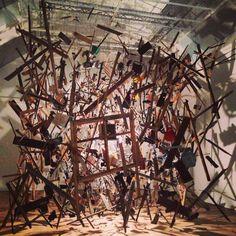 Cornelia Parker Modern Sculpture, Sculpture Art, Wire Installation, Art Installations, Damian Ortega, Cornelia Parker, Mental Health Art, Modern Artwork, Space Gallery