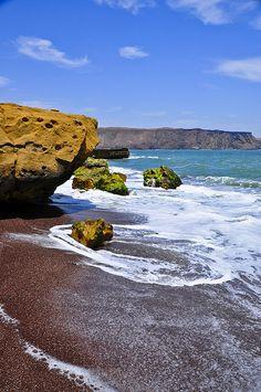 Paracas Reserva Natural Playa Perú-Es una de las muchas playas en el Perú.