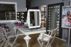 Cantoni has created the first of two directly-managed showrooms dedicated to professional equipment for the world of beauty. #cantonishowroom #cantoniprofessional #cantoniequipement