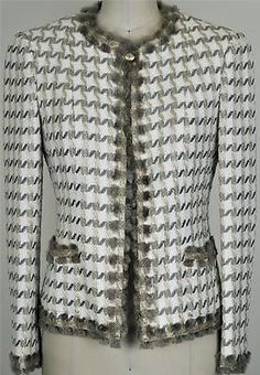 Chanel Rare Fringed Tweed Jacket NEW 34 Classic Coat Blazer Chanel Jacket Trims, Chanel Style Jacket, Chanel Couture, Couture Fashion, Pakistani Clothes Online, Classy Outfits, Pretty Outfits, Coco Chanel Fashion, Kurti Embroidery Design