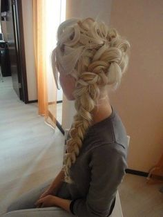 Disney Elsa Frozen Blonde braid. My new goal, grow my hair out just enough to be able to do this...and then master it!