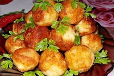 Potato balls — interesting and unusual dish that can be served alone or as a garnish for meat or fish. Czech Recipes, Ethnic Recipes, Crockpot Recipes, Cooking Recipes, Good Food, Yummy Food, Daily Meals, Vegetable Dishes, Food Preparation