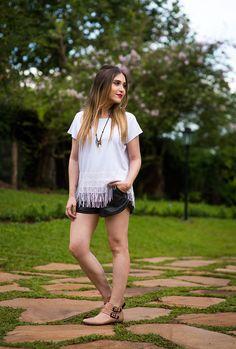 Look da Lu: franjas + couro    por Lu Ferreira | Chata de Galocha       - http://modatrade.com.br/look-da-lu-franjas-couro
