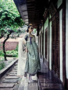 Design by Chai Kim Youngjin(hanbok) + Kim Hye Soon Hanbok(hanbok acc)