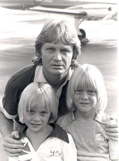 Claude François et ses enfants Marc et Coco... Je les trouvais trop beaux ces enfants.
