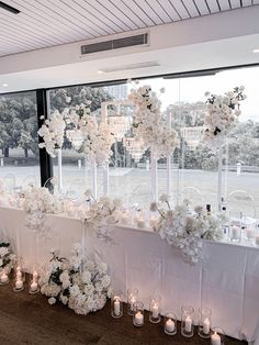 Modern Wedding Flowers, Luxe Wedding, Wedding Events, Modern Floral Design, Bridal Table, Wedding Stage Decorations, Waterfront Wedding, Table Flowers, Event Styling