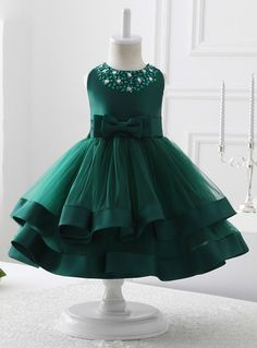 Sleeve Length(cm):Sleeveless Dresses Length:Floor-Length Decoration:Bow,Sequined Silhouette:Ball Gown Neckline:O-Neck Fabric Type:Tulle Sleeve Style:Regular Frocks For Girls, Kids Frocks, Dresses Kids Girl, Girl Outfits, Tulle Flower Girl, Flower Girl Dresses, Tulle Flowers, Green Flowers, The Dress