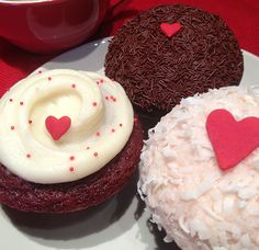 Celebrate Valentine's Day with some delicious and festive cupcakes from Cupcake Royale!