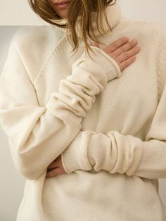 LUXURIA BLOG: Dreamy Cream - I am a firm believer in keeping things beautifully simple. Sometimes luxe textures are all you need :-) #Fashion #Style #Luxury #Blog #SweaterWeather http://luxuria-jewellery.blogspot.co.uk/2015/11/dreamy-cream.html