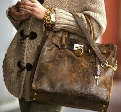 Super Cute!!Sparkly Michael Kors handbags ? .Michael Kors Handbags discount site!!Check it out!! $57.98
