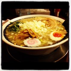 RAMEN ZIGEN. Recommended is Iwanori ramen. Ramen, to easily soup spicy seafood soup, has floated a lot of shredded green onion. Noodles are thin noodles. Thick soft pork has been riding.