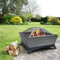 Warm your backyard or patio in style with this steel fire pit. Its simple but timeless square design allows it to integrate effortlessly into most landscaping designs, and its steel and silver Metal Fire Pit, Wood Burning Fire Pit, Diy Fire Pit, Fire Pit Backyard, Backyard Patio, Fire Pits, Backyard Fireplace, Patio Roof, Pergola Patio