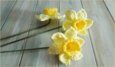 Daffodils can serve on their own as a complete accessory (brooch, hairpin, etc.) or a decorative touch on a larger item (on a bag, blanket, pillow or anything else. You could even make the into a bouquet by giving them a rigid stem (for example from a green pipe cleaner).