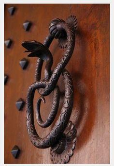 Superior Snake Door Knokker