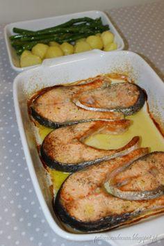 Salmon Recipes, Seafood Recipes, Cooking Recipes, Good Food, Yummy Food, Portuguese Recipes, Food Goals, Fish Dishes, Good Healthy Recipes