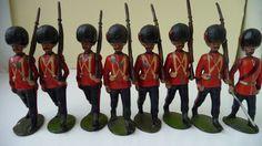 PRE WAR VINTAGE BRITAINS LEAD COLDSTREAM GUARDS x 8 - OVAL BASES | eBay