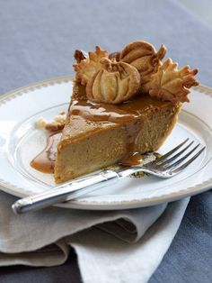 Our Classic Pumpkin Pie. LOVE how this is decorated with pie crust shapes on top of the pie Classic Pumpkin Pie Recipe, Pumpkin Pie Recipes, Pumkin Pie, Thanksgiving Recipes, Fall Recipes, Holiday Recipes, Köstliche Desserts, Delicious Desserts, Dessert Recipes