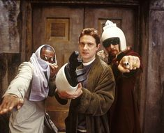 The Hitchhiker's Guide to the Galaxy Ford Prefect (Mos Def), Arthur Dent (Martin Freeman) and Zaphod Beeblebrox (Sam Rockwell). Martin Freeman, The Hitchhiker, Hitchhikers Guide, Douglas Adams, Hoopy Frood, Galaxy Movie, Mos Def, Fiction Film, Science Fiction