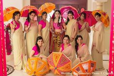 Gorgeous Bride and Bridal Party Bridesmaid Poses, Bridesmaid Saree, Indian Bridesmaids, Bridesmaids And Groomsmen, Bridesmaid Pictures, Indian Wedding Photos, Big Fat Indian Wedding, Wedding Pics, Indian Bridal