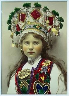 Norwegian bridal crowns - Beauty will save