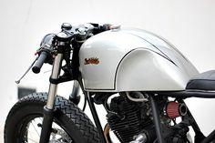 Racing Cafè: Yamaha Scorpio 225 2006 by Studio Motor Cafe Racers, Cafe Racer Moto, Cafe Racer Style, Cafe Racer Bikes, Cafe Style, Love Cafe, Cafe Bike, Scorpio Men, New Motorcycles