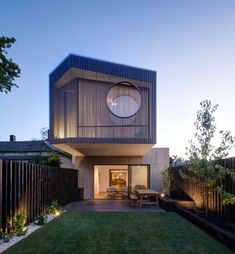 The timber cladding and porthole window ❤️- Stepping Stone House by Craig Tan Architects 📷 Jaime Diaz-Berrio Australian Architecture, Residential Architecture, Amazing Architecture, Architecture Design, Concept Architecture, Aix En Provence, Decor Interior Design, Interior Design Living Room, Room Interior
