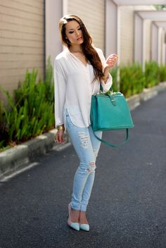 Street style na-love the shoes also Party Fashion, Fashion Wear, Girl Fashion, Womens Fashion, Style Casual, My Style, Denim Style, Street Style Chic, Summer Outfits