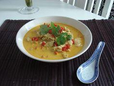 Chiang Mai -nuudelikeitto Kotikokki.netin nimimerkki Chinaberryn ohjeella