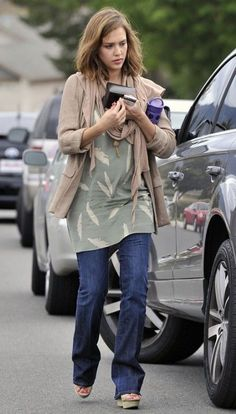 """Celebrating the Easter holiday, Jessica Alba was spotted at a family party in Camarillo, California yesterday (April 24).  Joined by her daughter Honor Marie and husband Cash Warren, the """"Good Luck Chuck"""" actress looked lovely in a blue dress that accentuated her ever-growing baby bump as she participated in an Easter Egg Hunt."""