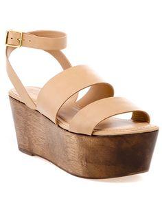 #sandalias color crema con suela de madera