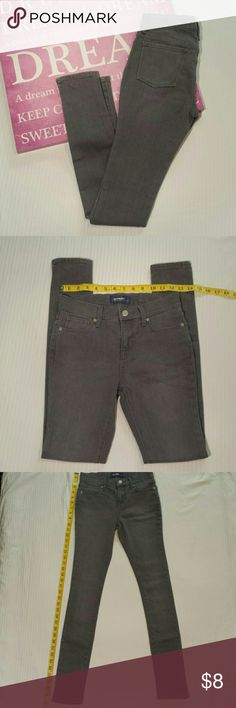 Girls Old Navy Jeans Size 14 girls, super skinny jeans from Old Navy. There is a snag front left pocket notated on picture 6. Old Navy Bottoms Jeans