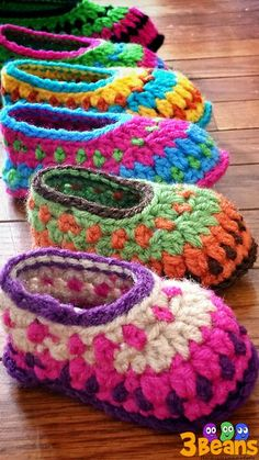 Crochet Baby Booties Galilee Booties By Tara Murray - Purchased Crochet Pattern - (ravelry) - View all Mamachee Patterns here: Crochet Booties Pattern, Crochet Baby Booties, Crochet Slippers, Baby Slippers, Knitted Baby, Knitted Dolls, Love Crochet, Crochet For Kids, Knit Crochet