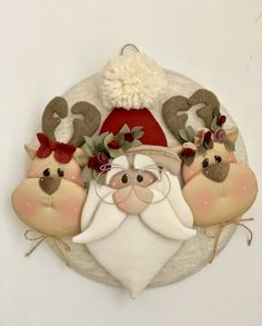 Addobbi piatti babbo - Country Creations - Her Crochet Fabric Christmas Trees, Diy Felt Christmas Tree, Polymer Clay Christmas, Christmas Items, Christmas Love, Christmas Crafts Sewing, Christmas Ornament Crafts, Holiday Crafts, Christmas Decorations