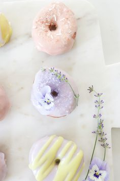 Why not make some home made donuts this weekend? Recipe over on MH, search 'donuts'. Cute Donuts, Mini Donuts, Baked Donuts, Doughnuts, Yummy Treats, Sweet Treats, Enjoy Your Meal, Plum Pretty Sugar, National Donut Day