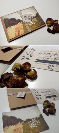 Invitacion de boda personalizada con foto de estilo rústico y sobre kraft con decoración de ganchillo. #invitacion #boda #wedding #rustico #foto #sellodeboda #ganchillo