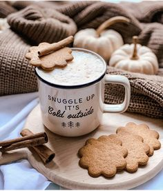 Coffee And Books, Cozy Corner, Welcome Home, Winter Time, Best Makeup Products, Coffee Cups, Life Is Good, The Outsiders, Good Things