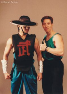 Daniel Pesina & Tony Marquez behind the scenes of Mortal Kombat II. [x]