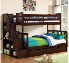 Кровать два яруса со стеллажом Флагман 13600 грн http://stulchik.com.ua/dvuhyarusnie-krovati/krovat-dva-yarusa-so-stellagom-flagman.html Трехспальная двухэтажная кровать с лестницей-стеллажом изготавливается из натурального дерева. Материал изготовления: ольха. При покраске используются высококачественные, безопасные для здоровья лаки и тонировочные краски на водной основе (Англия). Внешние габариты: ширина: 128 см, длина: 245 см, расстояние между ярусами: 87 см, общая высота с бортиками…