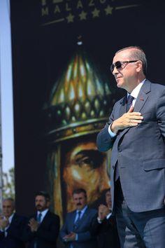 Cumhurbaşkanı Recep Tayyip Erdoğan Islam Muslim, Great Leaders, Commonwealth, Reiss, Presidents, Homeland, Movies, Movie Posters, Meme