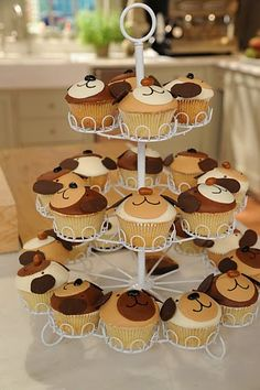 puppy themed birthday party ideas-too sweet!  wonder if anyone would be willing to do this for me because if I tried they would probably look like mudfight cupcakes!!