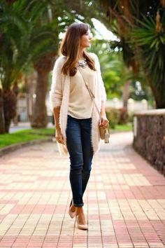 Inspiración: #Cardigans  #fashion #looks #bloggers #moda #tendencias #handbags #robertpietri
