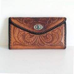 Tooled Leather Vintage Wallet Billfold by BirchAndBell Leather Tooling, Leather Clutch, Leather Purses, Tooled Leather Purse, Leather Wallets, Leather Bags, Vintage Purses, Vintage Handbags, Boho Bags