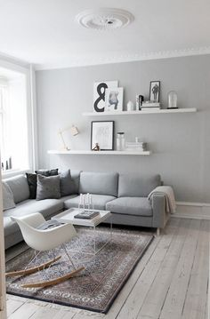 Kleine Wohnung – was nun? & Sweet Home Kleine Wohnung – was nun? & Sweet Home The post Kleine Wohnung – was nun? Living Room Grey, Home Living Room, Apartment Living, Apartment Hacks, Cozy Living, Minimal Apartment, Shelf Ideas For Living Room, Living Room Wall Shelves, Grey Room
