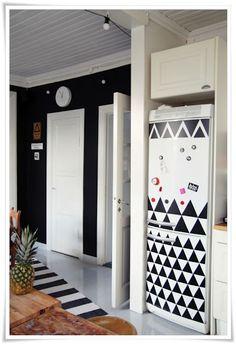 black contact paper on fridge House Design, Decor, Home Kitchens, Diy Home Decor, Home, Home Diy, Home Furniture, Black Walls, Home Decor