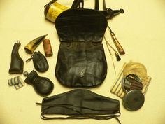 18th century shooting bags - Google Search Mountain Man Rendezvous, Shooting Bags, Black Powder Guns, Continental Army, Longhunter, Bushcraft Gear, Powder Horn, Fur Trade, Leather Pouch
