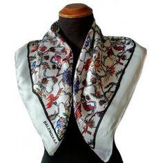 Foulard Balenciaga seta pura Balenciaga Vintage, Alexander Mcqueen Scarf, Vintage Shops, Silk, Shopping, Fashion, Rome Italy, Headscarves, Moda