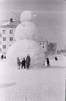 The giant snowman made back in the 1970s, USSR