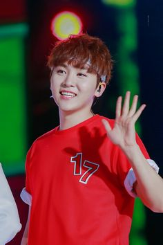 LOOK AT MY PRECIOUS SON!!!! Seungkwan baby Seventeen <3